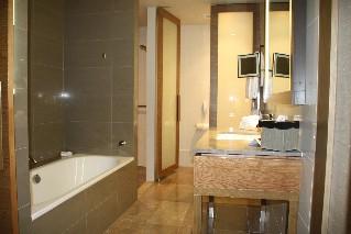 Bathroom In Hilton Hotel South Wharf